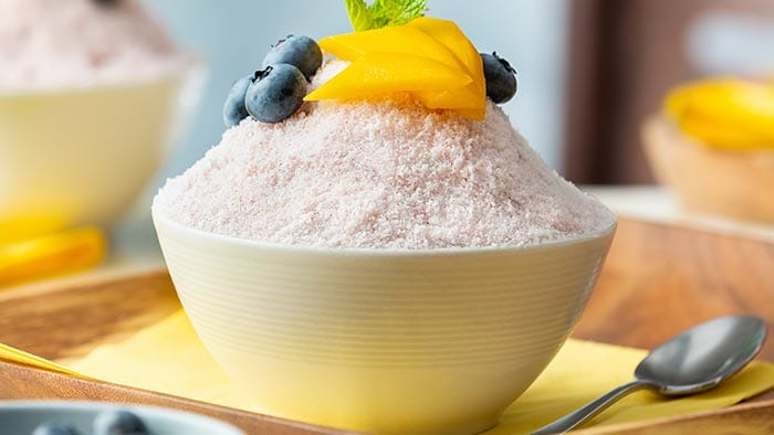 Mango blueberry bingsu